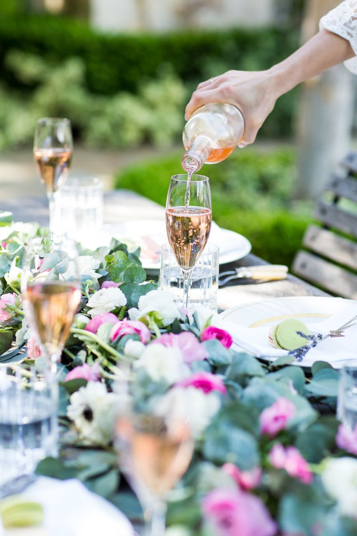 Host the Perfect Spring Party - Fashionable Hostess | Fashionable Hostess