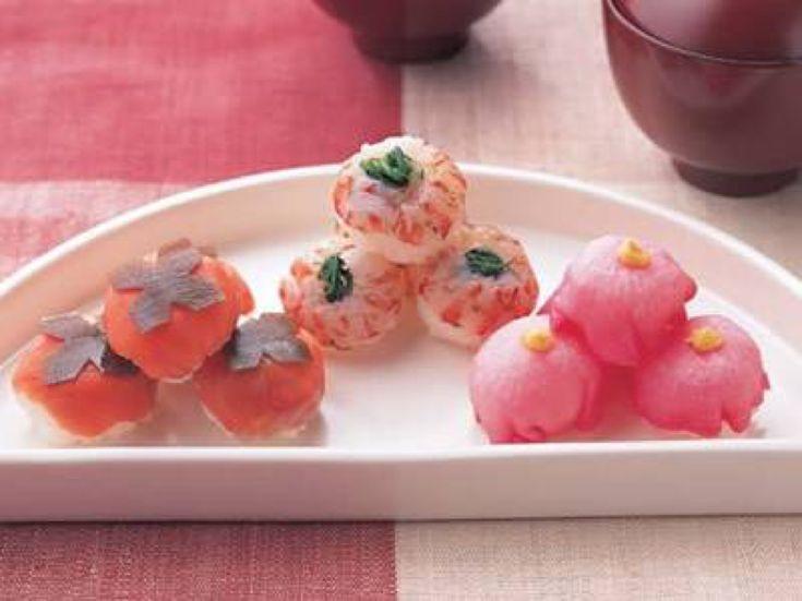 ひな祭りのレシピをご紹介!桃の節句らしい華やかなちらし寿司やサラダのお寿司、手まり寿司にカップ寿司、はまぐりや鯛を使ったお吸い物にスイーツ、カルパッチョなど、おもてなしやパーティーにもぴったりの料理がいっぱい!ひな祭りのお祝いにお役立てください。
