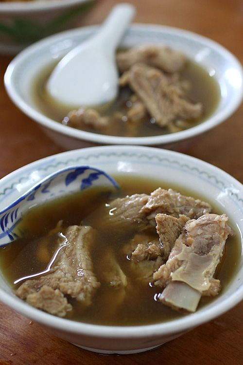 """A traditional Chinese dish, a bowl of Bak Kut Teh often brings back fond memories for the older generation. Meaty pork ribs in the glittering broth of herbs and spice (up to seven types of spices and herbs!), this wondrous concoction Bak Kut Teh, or in literal translation """"meat bone tea"""" is what makes the Chinese community so crazy about. Nearest outlet: Food Opera (B4 food court), ION Orchard. Walk: 4 minutes from RP"""