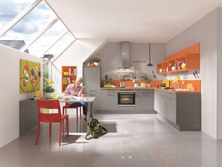 Kuchyně šedá + oranžová