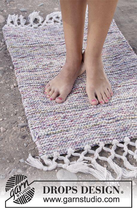 "Neulottu DROPS matto ""Fabel""-langasta ~ DROPS Design, istuinaluset jämälangoista"
