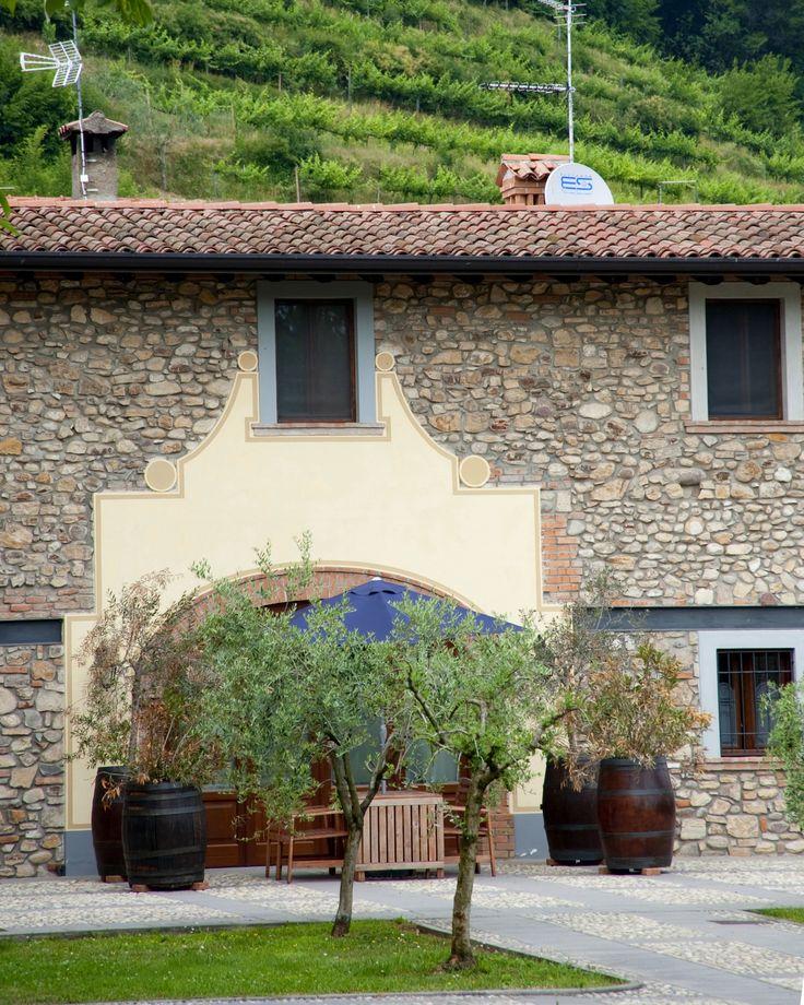 Familiebedrijf in een typische borgo, gelegen bij het Iseomeer en tussen de wijnvelden. https://www.italissima.nl/accommodatie/I8610