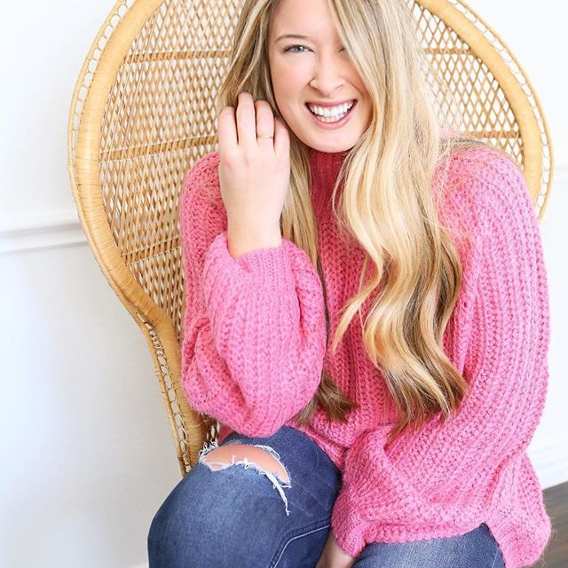Cozy in pink. 💕 Shop my outfits on Instagram by downloading the @liketoknow.it app in the App Store OR visiting the link in my profile. 👉🏻 http://liketk.it/2tqPj #liketkit #LTKunder100 #LTKstyletip #knit #sweater #cardigan #knits #fallstyle #blonde #fallknits #fallclothes #pink #pinksweater #pinkknit #ootd #wiw #whatiwore    #Regram via @cameronproffitt