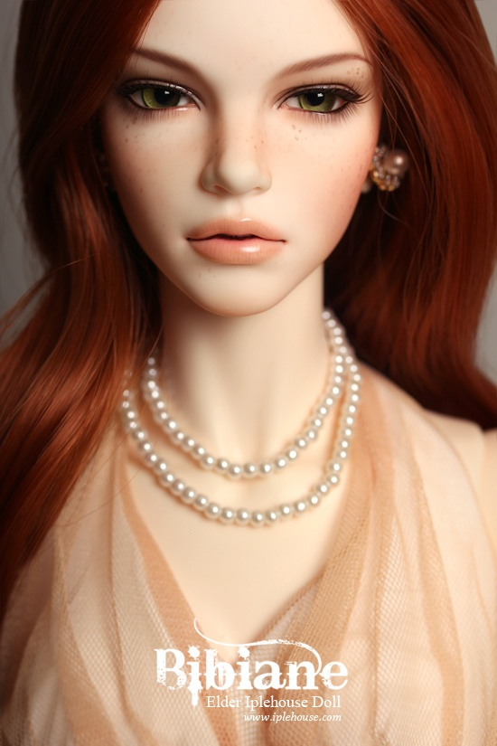 wow, so real looking :D hard to believe its a doll :D