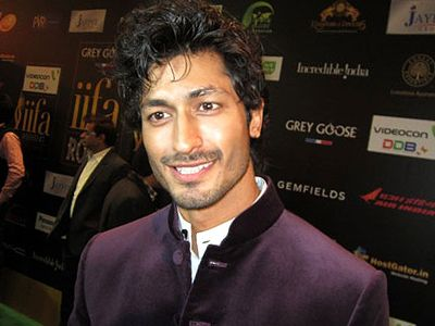 Vidyut Jamwal extends his helping hand!