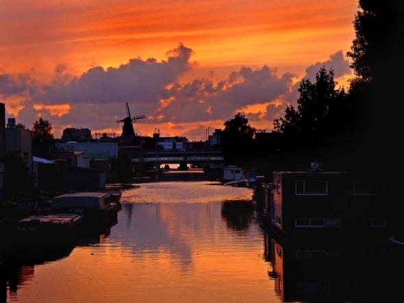 Holland, Netherlands: Beautiful Destinationsand, Favorite Places, Holland Windmills, Places I D, The Netherlands, Amazing Places, Windmills Sunsets, Travel Pinterest, Netherlands Travel