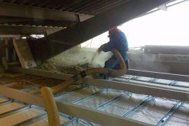 Ipari csarnok szigetelése 25 cm vastagságban kőzetgyapottal. #hőszigetelés #panelszigetelés #kőzetgyapot #üveggyapot #fújhatószigetelés #befújásosszigetelés #tetőszigetelés #padlásszigetelés
