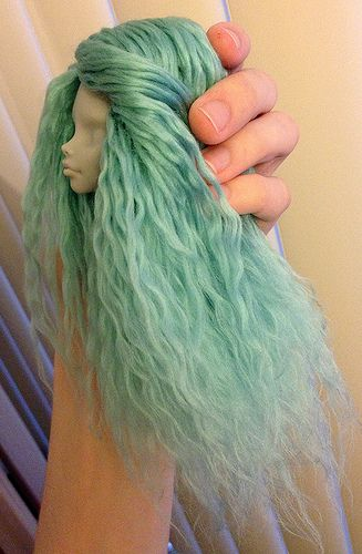 "Gorgeous example of reroot with yarn. Monster High - ""vegan mohair"""