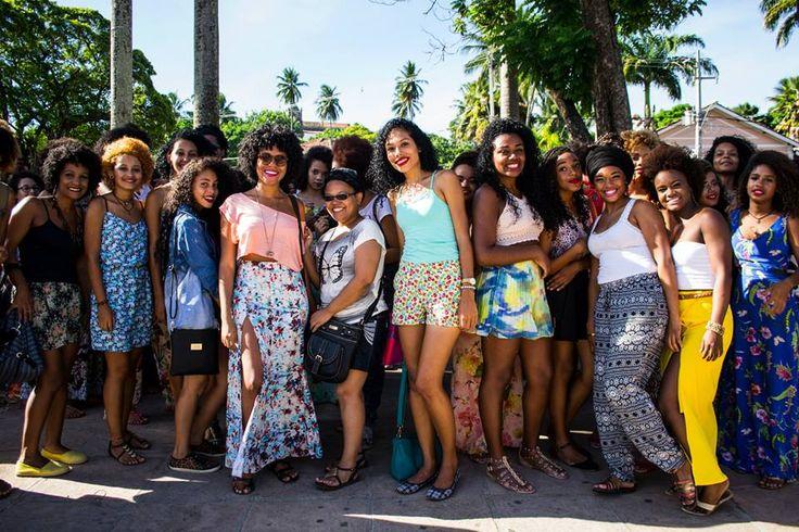 """Com a missão de enaltecer a estética negra, a equipe fotográfica E Escuro realizou o ensaio """"Enegrecendo - PE"""" pelas ruas e pontos turísticos de Olinda."""