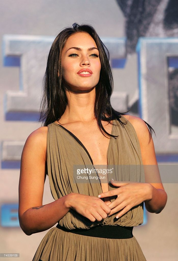 Actress Megan Fox attend a photocall before a press conference to promote her new film 'Transformers' on June 11, 2007 in Seoul, South Korea. Korea is the first country to screen the new movie which will be released on June 28.