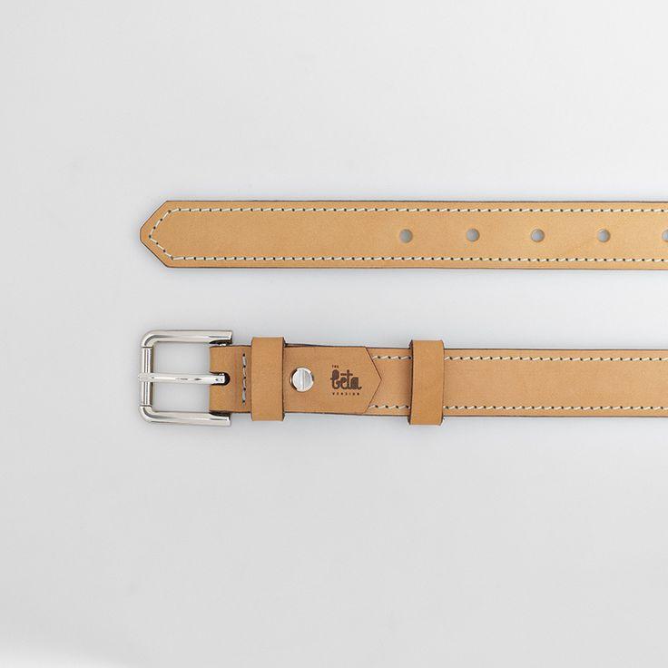 TheBétaVersion Ludvig belt with decorative pastel blue stitching