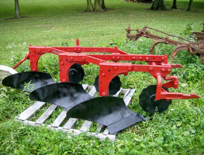 1086 Ih Plowing : Best images about international on pinterest old