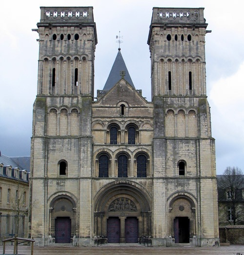 gothic v romanesque architecture Features of romanesque architecture  romanesque vs gothic architecture a style of architecture used during the 11th and 12th century in medieval europe.