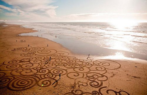 beach with neat little curly designsPainting Art, Sanfrancisco, At The Beach, Canvas, Andre Amador, Landart, San Francisco, Land Art, Sands Art