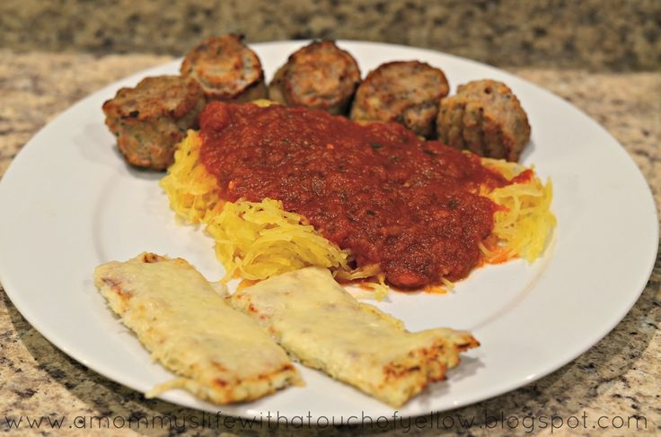 A mommy's life...with a touch of YELLOW: Spaghetti Squash and Cauliflower Cheese Sticks {Recipes}