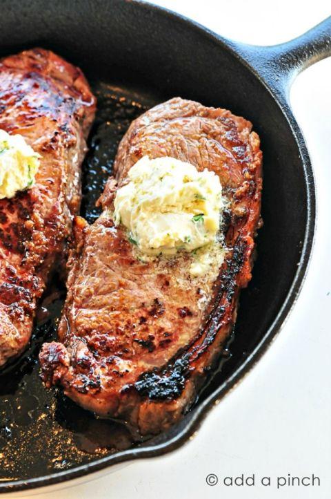 skillet-steak-8229 gorgonzola butter 650