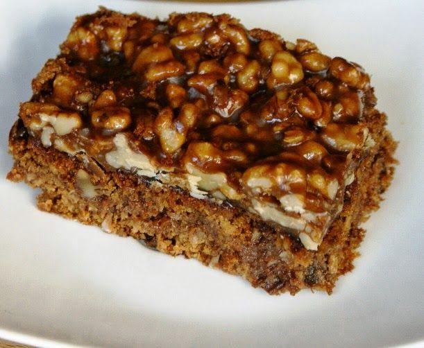 Zdrowo zakręcona: Ciasto marchewkowo-orzechowe z polewą karmelową. S...
