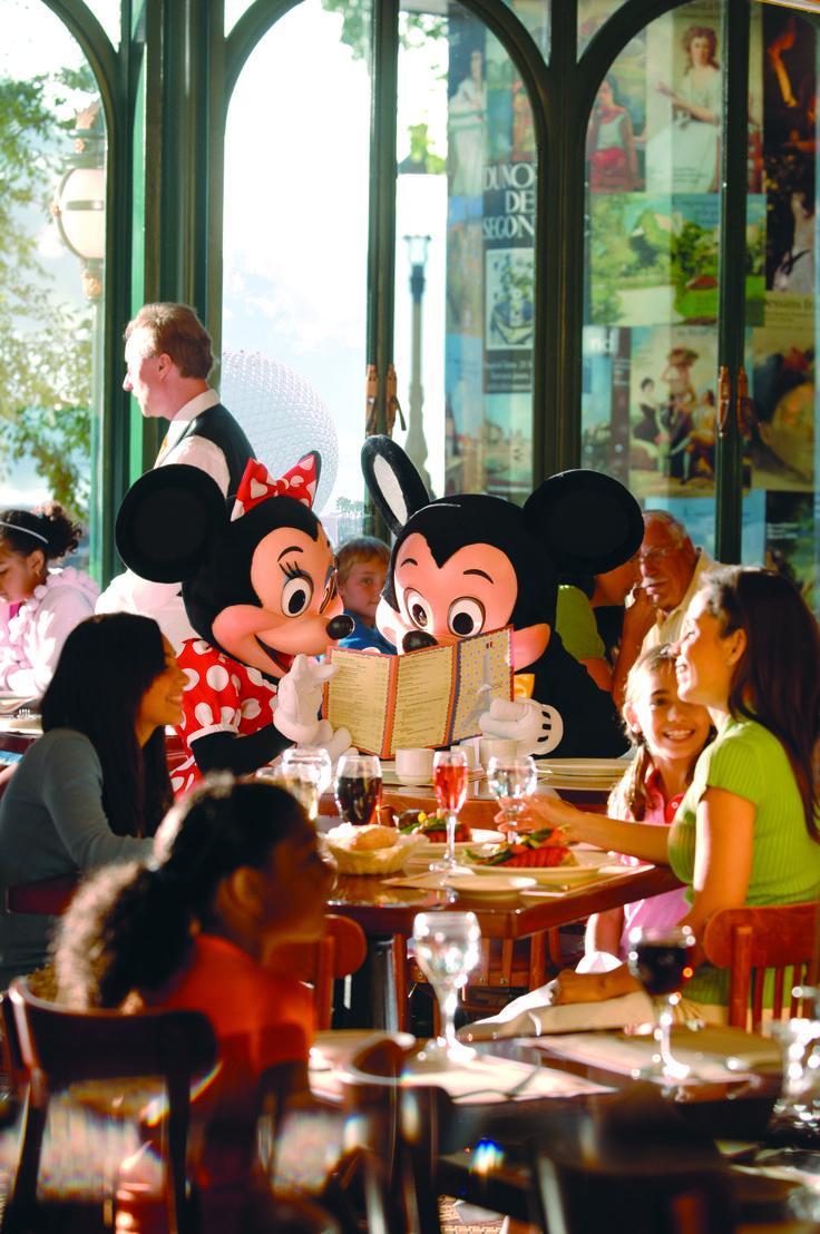 Mickey e Minie nos restaurantes