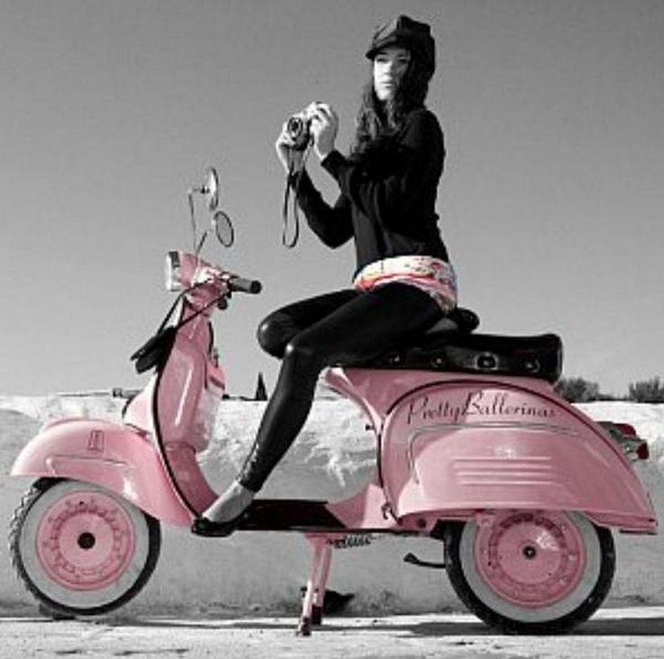 Scooter Girl Vespas 82
