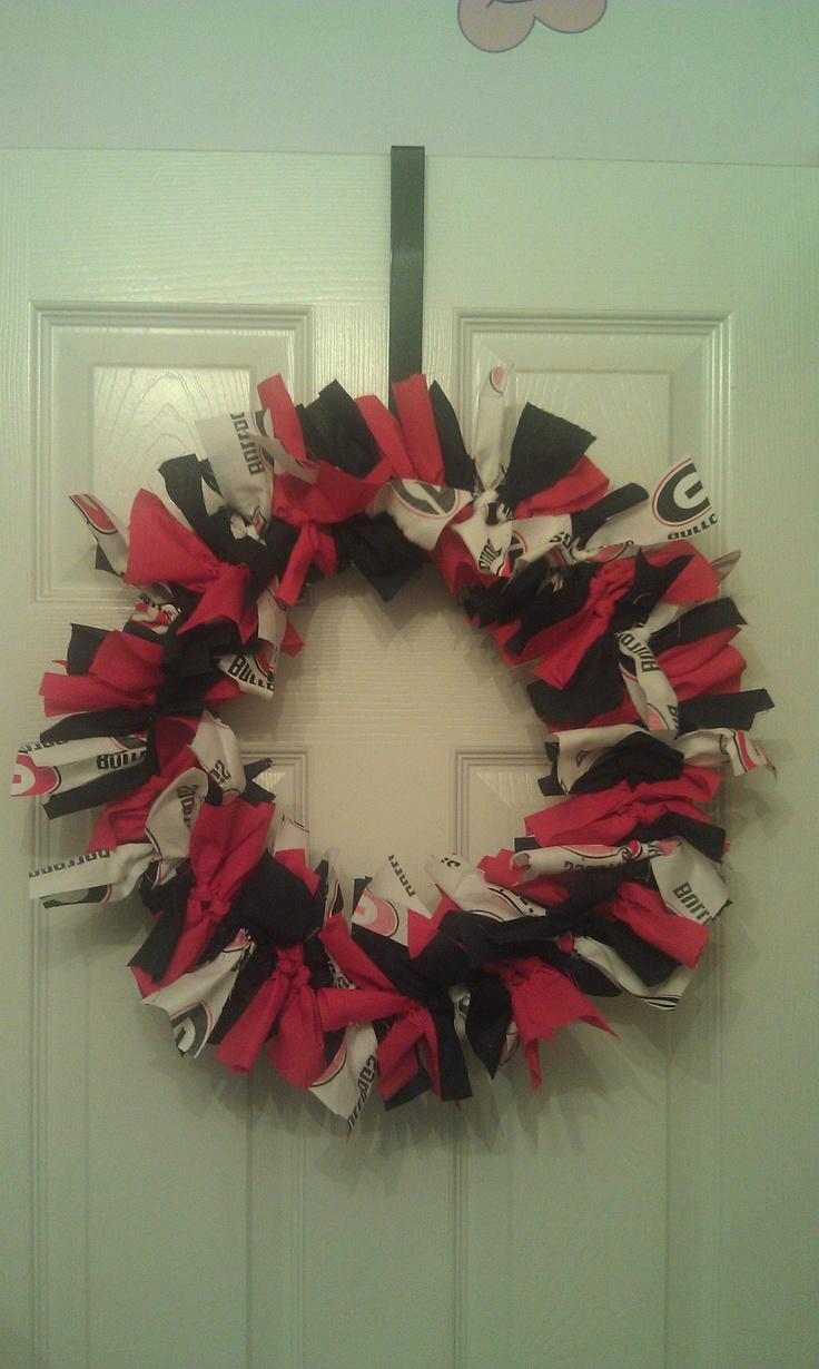 "Georgia Bulldog Fabric Rag Wreath - 16"""