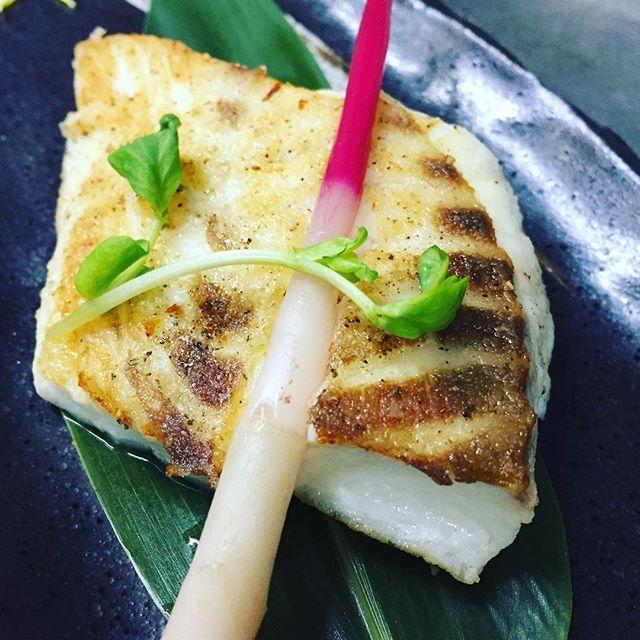 今週の旬魚  真鯛の鉄板焼  脂が乗ってホクホクです!  そのままお召し上がり下さい! #旬 #真鯛  #鉄板焼き #料理 #グルメ #肉 #海鮮 #ステーキ #人気 #錦糸町 #もりせん