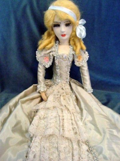 "Really Pretty 32"" Ringlady Boudoir Bed Doll (04/29/2011)"