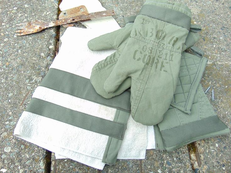 Repurpose Old Clothes and Linens to Create Oven Mitts and Kitchen Linens | Hometalk