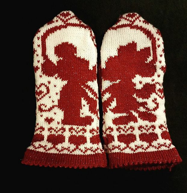 Mickey and Minnie Mittens pattern by Starlight Honeymoon Creations