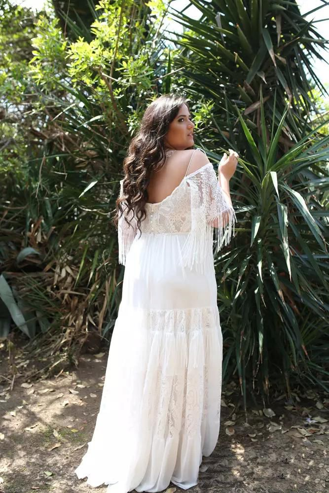 Chic Lace Plus Size Beach Wedding Dresses Nikebridalgown In 2020 Cheap Vintage Wedding Dresses Cheap Bridal Dresses Bohemian Wedding Dresses