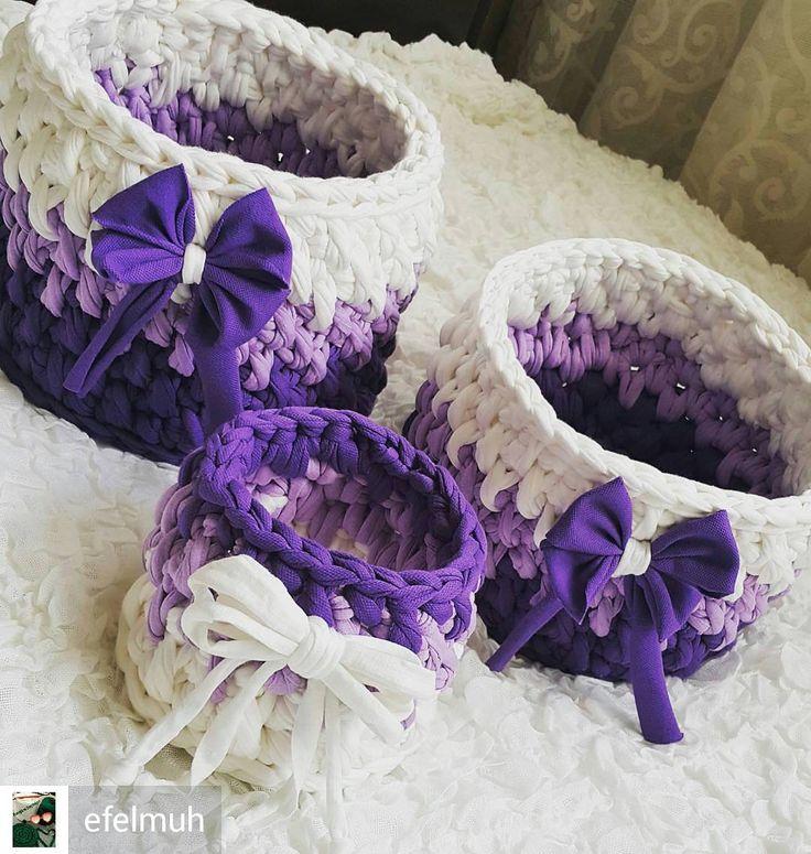 @Regrann from @efelmuh -  Mor sepetlerim satışa hazır 💜💜 Büyük boy 👉21×15 cm👉25tl Orta boy👉17 ×12 cm 👉20tl Küçük boy👉13×9 cm 👉10 tl Set Fiyatı 👉👉45 tl 💜💜💜💜💜 #penyeip#orgu#sipariş#mutluyumçünkü#örüyorum#supla#paspas#tuhafiye#renk#efelmuh#instafollow#instagram#tbt#tb#mutluluk#hobi#gift#elemegi#pembe#bordo#yesil#kirmizi#mavi#siyah#beyaz#mor #lila #sepet#efelmuh