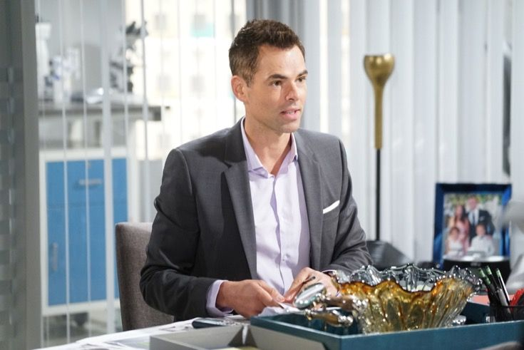 Come on Jack (Peter Bergman), how long are you going to behave like you're six-years-old on 'The Young and the Restless'? Oh yes, that's why your nickname is 'Jackie-boy'. Billy (Jason Thompson) has screwed up many times in the past, but in this instance your the rogue. Hey, Billy wronged Jack. The