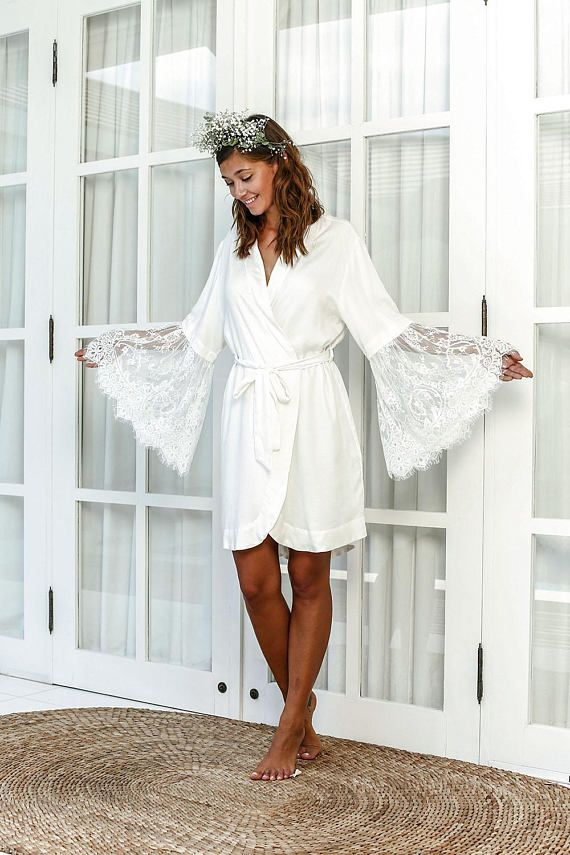 Gorgeous Bridal Robe With Scallop Lace And Bell Sleeves