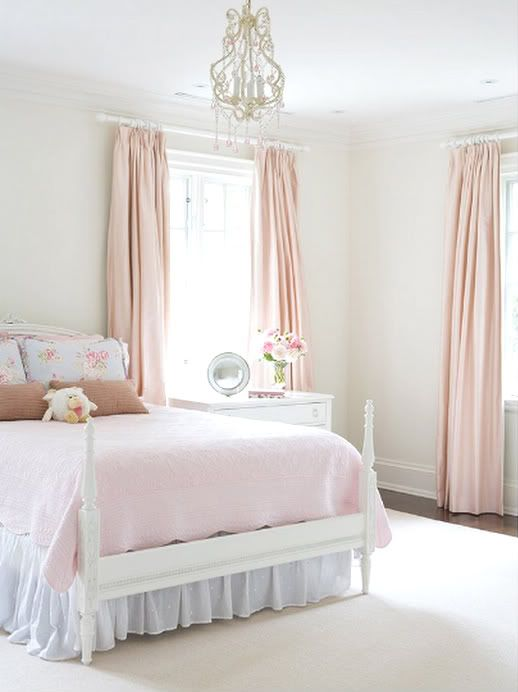 Pretty pink home decor pinterest for Pretty decorations for bedrooms