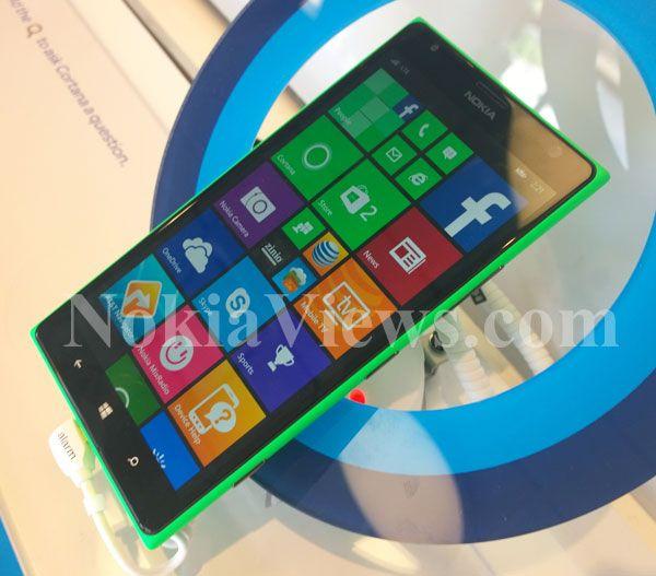 Green Nokia Lumia 1520 (front)…