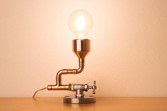 PIPESTORY - lampe tube / lampe de cuivre / industriel lampe / Steampunk Light / lampe de Table
