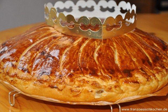 Galette des rois (Traditioneller Kuchen zum Dreikönigsfest) backen rezepte nachspeisen tarte Französisch Kochen by Aurélie Bastian