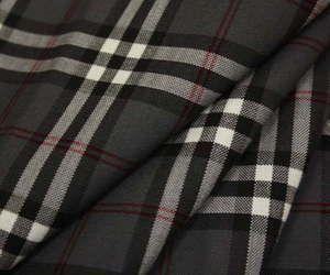 日本製ウール/ポリエステル混平織りタータンチェック生地♪グレー地に赤いラインがキュート♪スカート,パンツ,ジャケットに♪W巾150cm布生地布地服地通販激安チェックウール生地10cm単位チェック柄毛