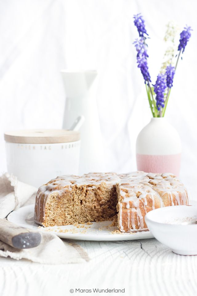 Healthy Cinnamon Roll Cake • from Maras Wunderland