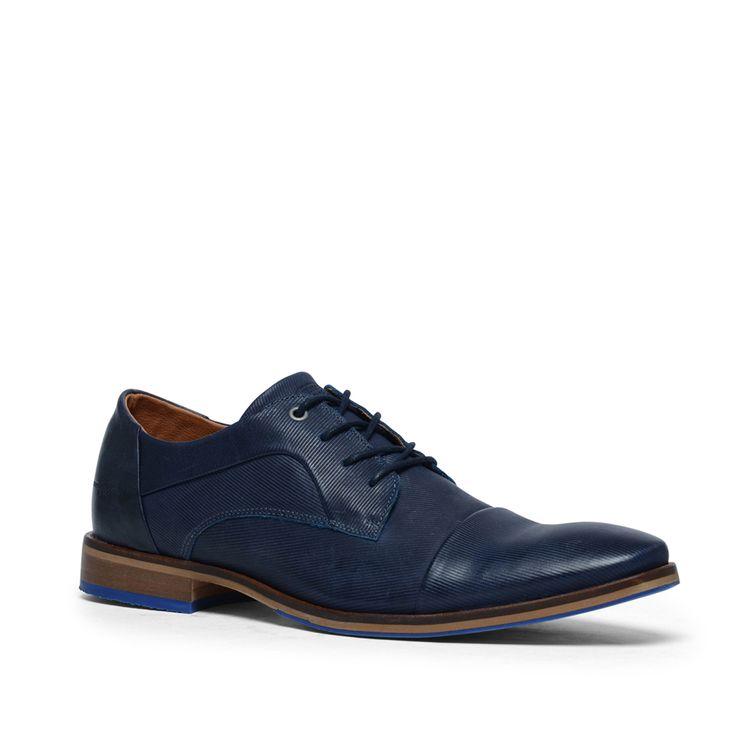 Blauwe veterschoenen met blauwe zool  Description: Blauwe veterschoenen van het merk Manfield. De schoenen zijn aan de binnen- en buitenzijde van leer. Bijzonder aan dit model is het gestreepte patroon over de gehele schoen en de lining op de neus van de schoen. De schoenen zijn perfect voor naar kantoor of onder een casual outfit. De maat valt normaal.  Price: 59.99  Meer informatie  #manfield