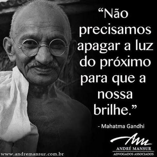 Xtoriasdacarmita: Palavras, são palavras: Mahatma Gandhi