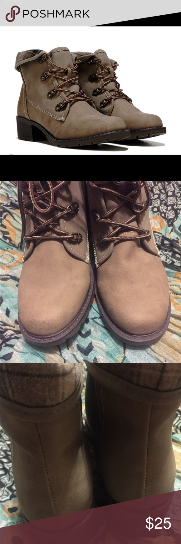 NIB Sporto Flipper Lace Up Boots These boots are brand new, and have never been worn! Sporto Shoes Lace Up Boots