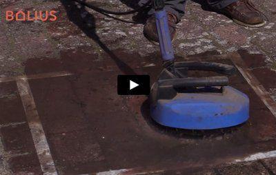 Video: Så effektiv er terrassevaskeren mod flisepest