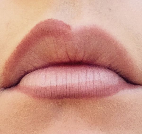 how to make your lips bigger with lip liner