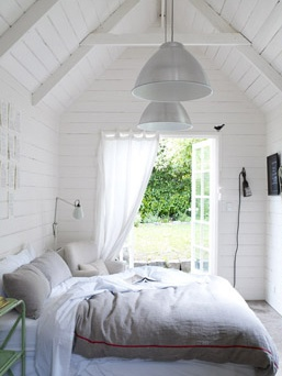 White boards. doors. Guest Cottages, Dreams, French Doors, Bedrooms Design, Guesthouse, Guest House, White Bedrooms, White Interiors, White House
