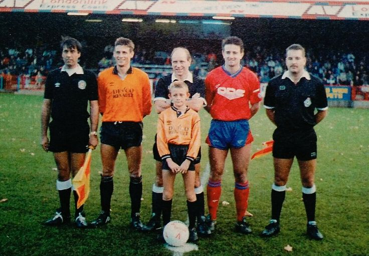 Aldershot 6 Tiverton Town 2 in Nov 1990 at the Recreation Ground. The captains before this FA Cup 1st Round tie.