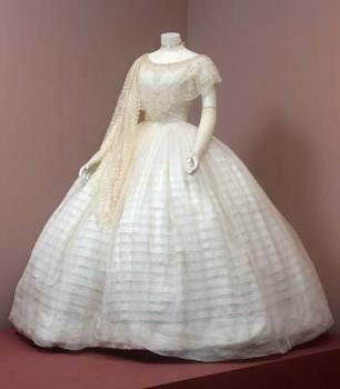 Lightweight summer party dress, 1845-1855.