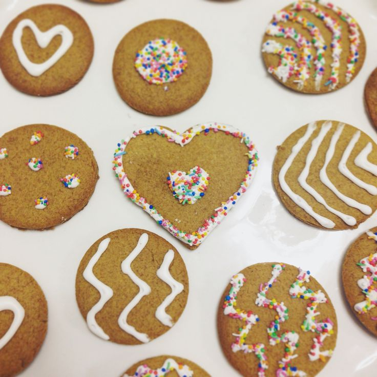 Gingerbread cookies by @stephabubbles