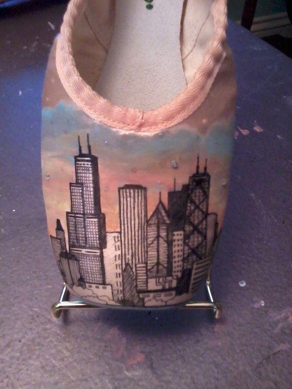 Custom ciudad horizonte pintado a mano Pointe zapatos