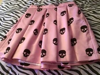 I'm not pastel goth and I would totally wear this