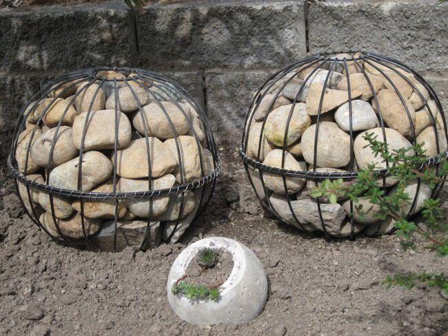 Cool and Unique DIY Garden Globes | The Garden Glove